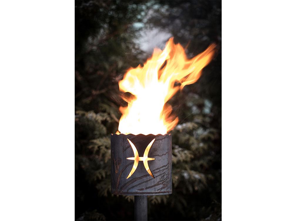 Gartenfackel Sternzeichen Fische - inkl. Fackelstiel 120 cm unangespitzt und 1 x Brennmaterial