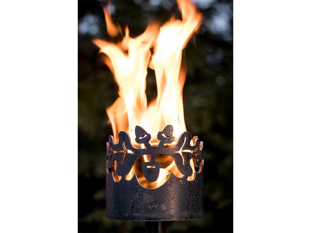 Gartenfackel Eichenlaub- inkl. Fackelstiel 120 cm unangespitzt und 1 x Brennmaterial