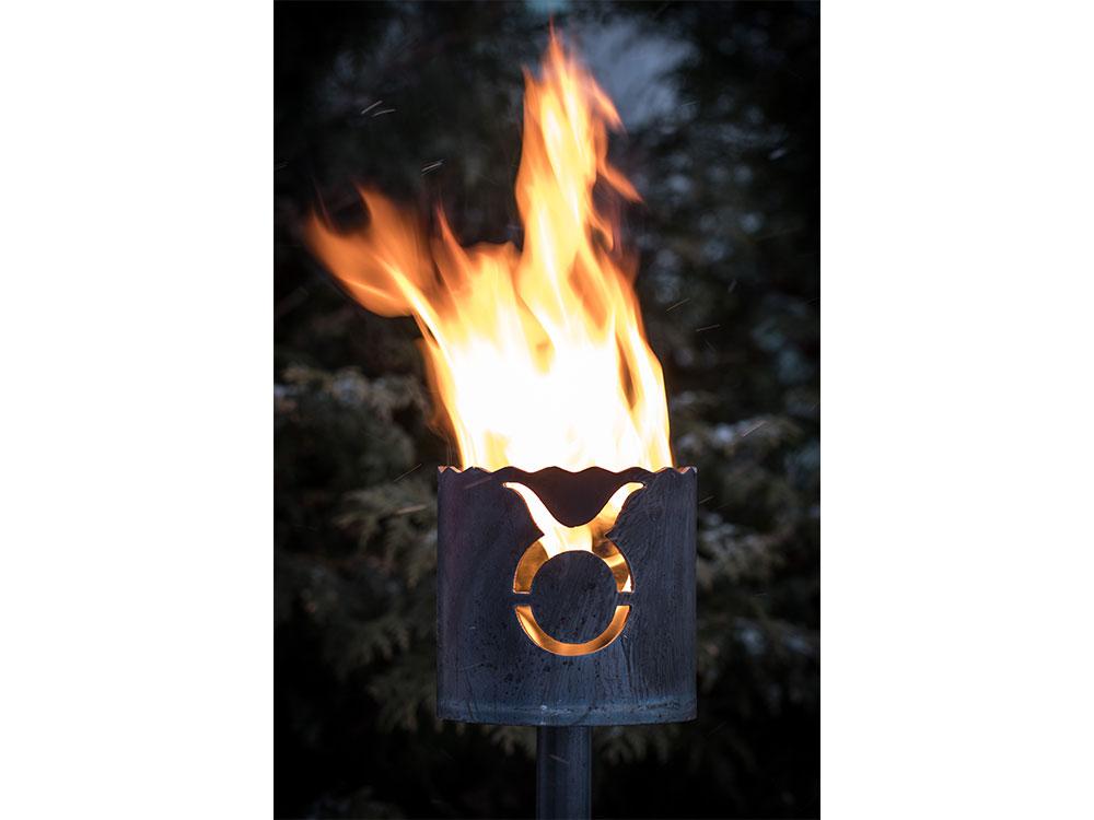 Gartenfackel Sternzeichen Stier - inkl. Fackelstiel 120 cm unangespitzt und 1 x Brennmaterial
