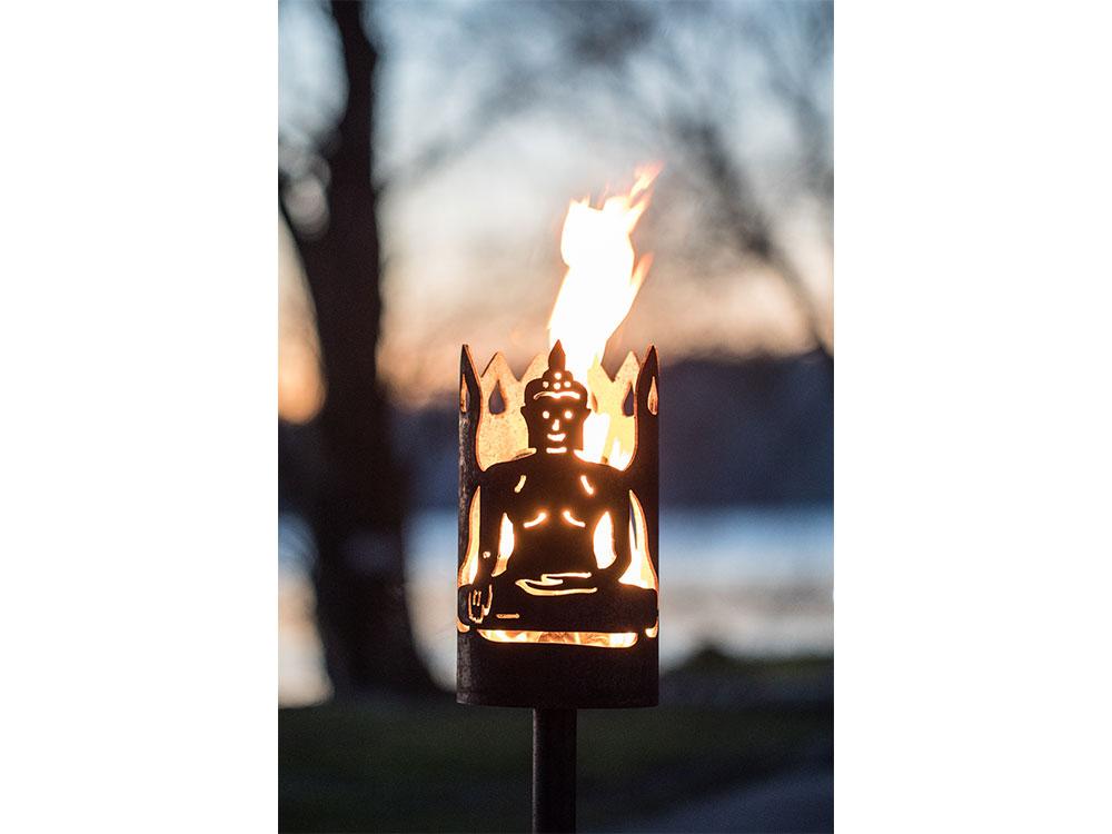 Gartenfackel groß Buddha- inkl. Fackelstiel 120 cm unangespitzt und 1 x Brennmaterial